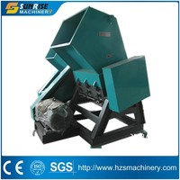 Plastic recycling bottle crushing machine