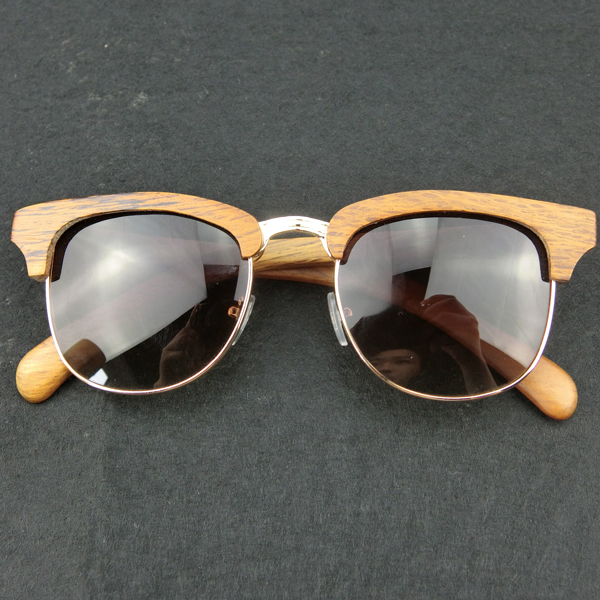 full wood frame sunglasses color grey polarized lens with metal bridge