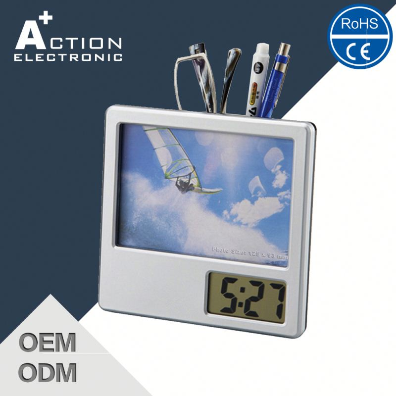 Wholesale Hot Product Best Quality Cukoo Bubble Glass Montana Clock