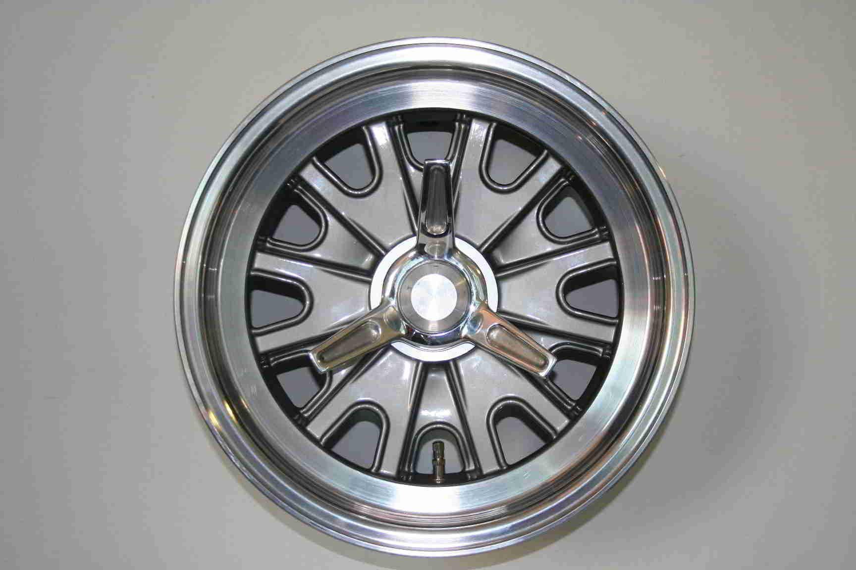Halibrand Cobra rims