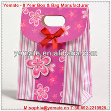2013 New products Metallic Red Fashion Paper Gift Bag for USA christmas decorations