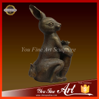 bronze rabbit wth carrot sculpture for home decoration