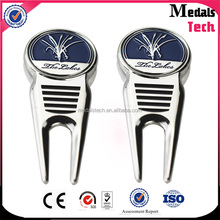 Guangdong medal supplier wholesale bulk golf divot repair tool /pitchfork with personalized logo