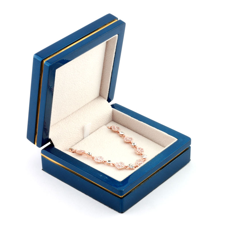 Wholesale necklace gift jewellery box UK