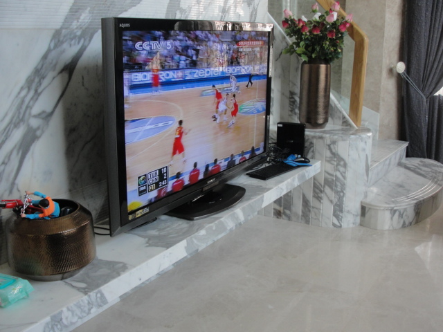 Italian Calacatte white marble TV setting wall