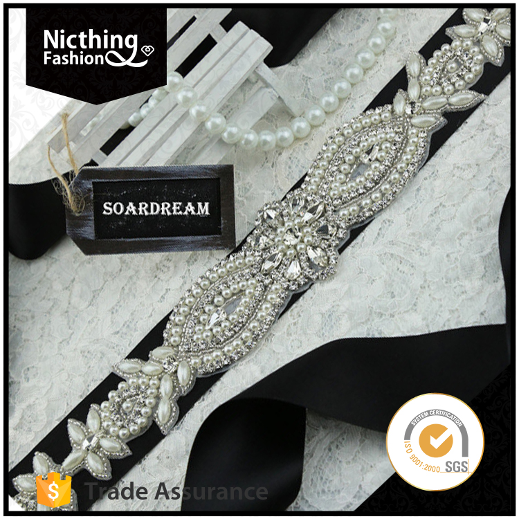 New designs high quality Embroidered Bridal Beaded lace Glass Stone Applique For Wedding dress NRA113