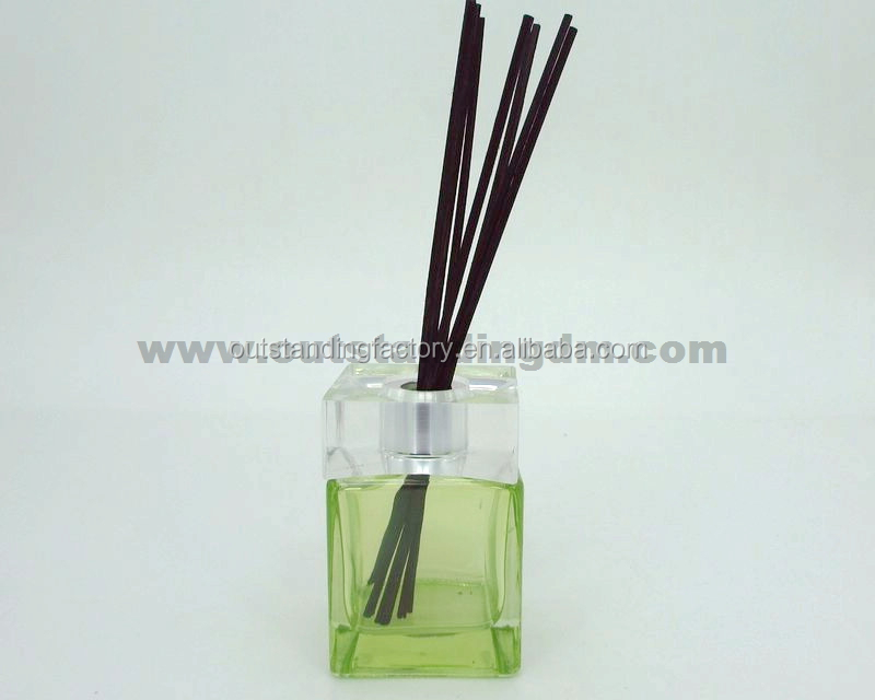 Home fragrance in 180ml square glass bottles with acrylic cap reeds diffuser