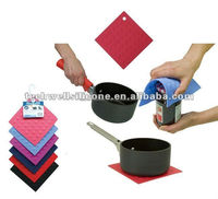 magnetic mat and silicone jar opener silicone pot holder