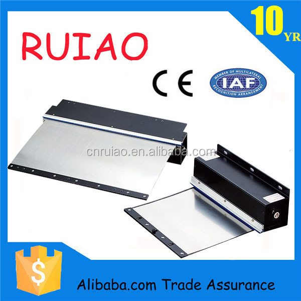 RUIAO OEM roll up machine guard for milling machine