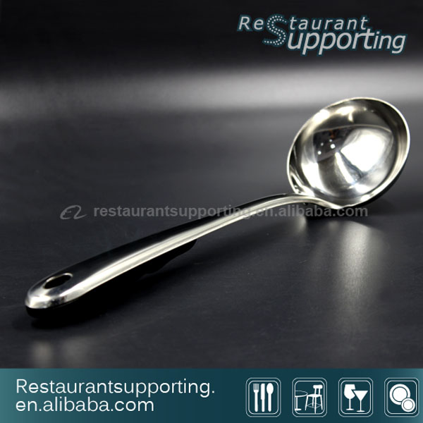 Stainless Steel Handle Kitchen Tool Soup Scoop / Water Scoop