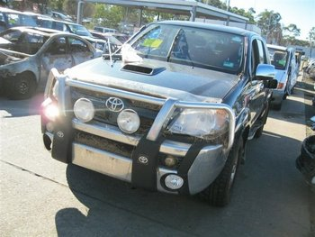 toyota hilux d4d m/t 5 speed 4x4 pick up