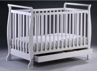 2015 hot selling new design wood baby bed and baby cot