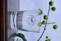 elegant grape and rooster badge clear old fashion glass tumbler