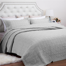 Factory Price Modern Bedroom Solid Polyester Bed Quilt Wholesale China