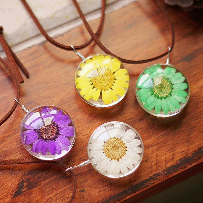 New handmade jewelry dry flower necklace, Resin heart Flowers Necklace
