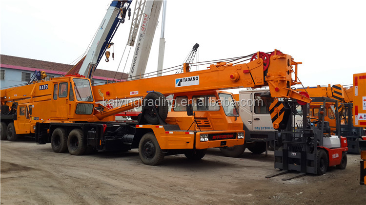 Japan Original Tadano 25 ton Used Truck Crane ( TG250E Model With 3 Section Boom ) )