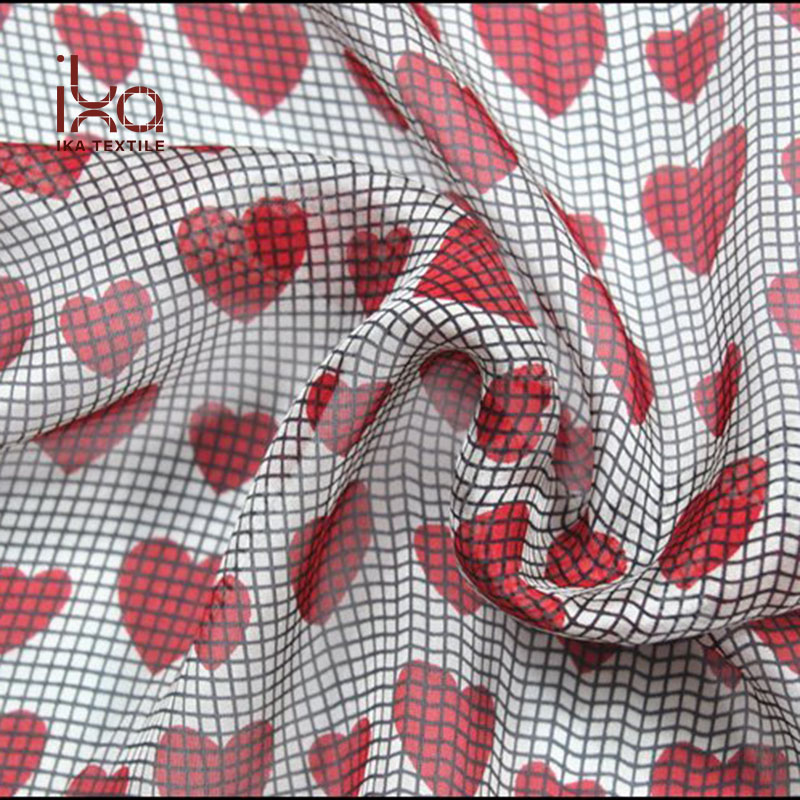 2018 Latest Beautiful 100% Pure Silk 6mm Chiffon Custom Design Screen Printing Plaid Check Heart Print Fabric for Dress