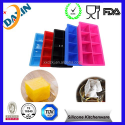 Top Quality Dishwasher Safe lego silicone ice cube tray for Summer's travelling