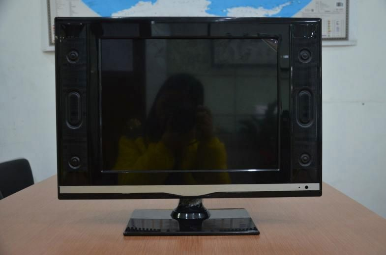 Professional 17/19 inch lcd tv manufacturer used tv parts for sale with good price