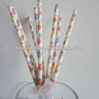 Drinking paper straws with pretty floral print for wedding decoration