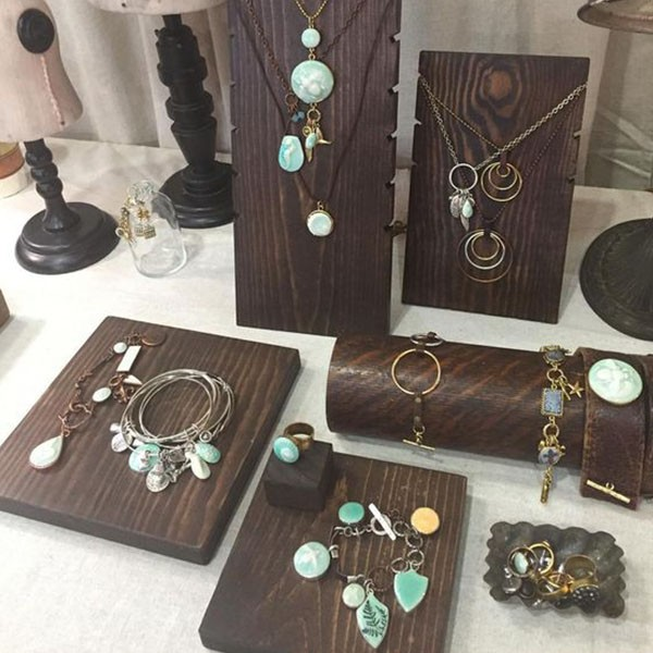 2017 hot sale luxury wooden jewelry display