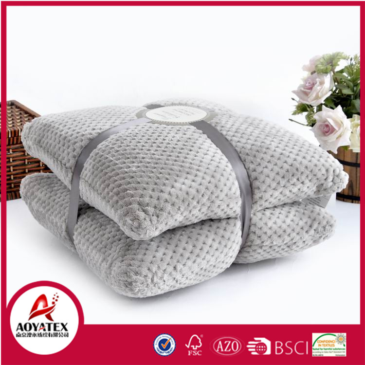 Puff plush decorative pillow, Solid Jacquard flannel fleece cushion sets, Honeycomb design flannel fleece cushion manufacturer