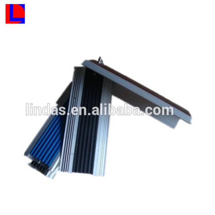 Original material 6000 series safe guarding anti-slip aluminum stair extrusion