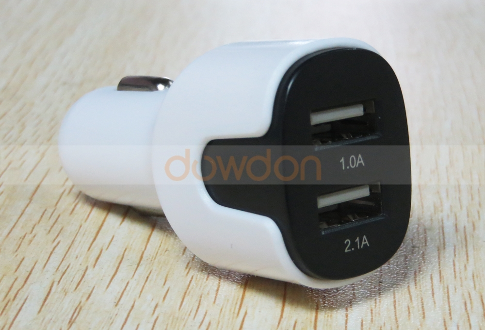 Dual 2.1A 2 Port USB Car Charger Adapter for iPhone iPad Samsung
