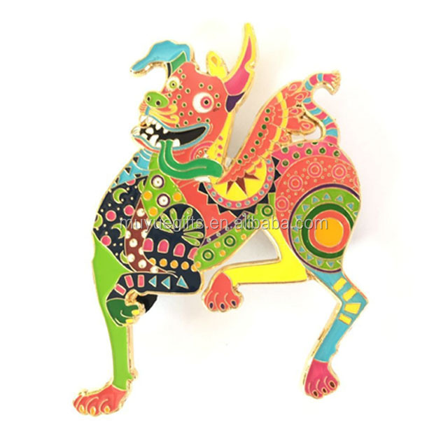 high quality custom souvenir enamel animal cartoon clothing metal badge