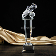 New design creative sports award crystal football trophy for souvenir gift