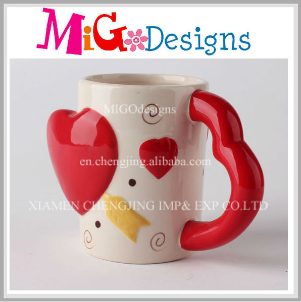 Newest Style Wholesale Cute Handle Heart Shape Ceramic Couple Mug