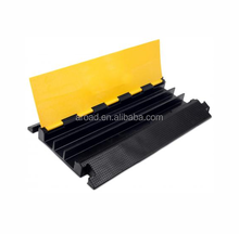 Used 3 way yellow&black rubber cable cover &cable protector speed hump for road traffic