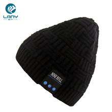 Hot selling wireless blue tooth winter beanie hat with headphone