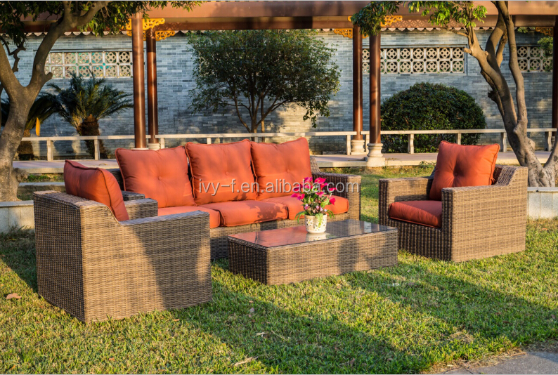 outdoor rattan garden sofa in PE polyrattan dining furniture set in GuangDong