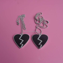 custom enameled wounded heart design metal necklace pendants