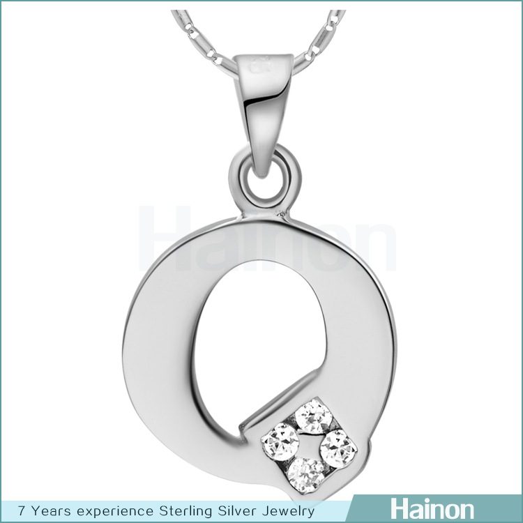 <strong>Q</strong> with zircon pendant letter jewelry initial necklace gift