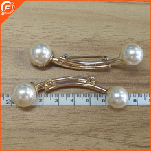 lady clothing use light gold pearl brooch