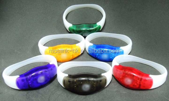 Halloween Christmas party LED flashing silicon wristbands bracelets with 3 different color LED