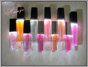 Light up lip gloss