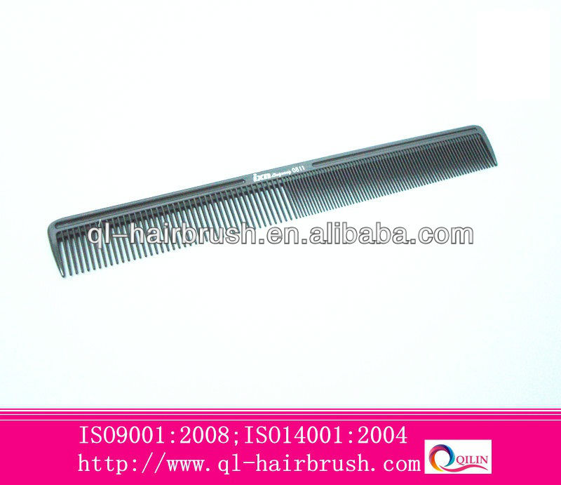 Large plastic hair combs