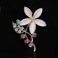 2016 New Korean High Quality Opals Flowers Shawl Scarf Design Corsage Brooch Wholesale Fashion Jewelry For Women BH250