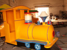 2016 Cute Cartoon Small Amusement Park Trains For Sale Original Manufactured