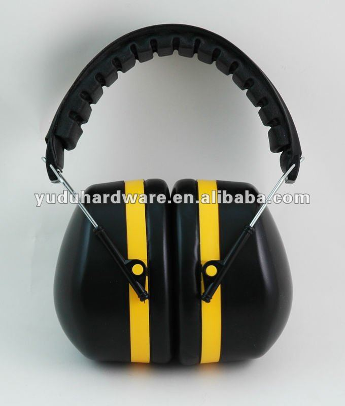 Ear muff with adjustable headband