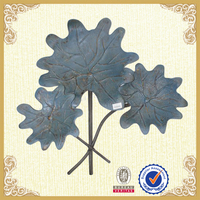 Three leaves wall decor natural