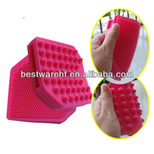 2014 new face red hot sale massage glove rubber bath tools red brush for gifts with color box