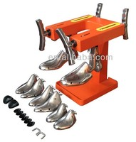 Boot shoe enlarging machine