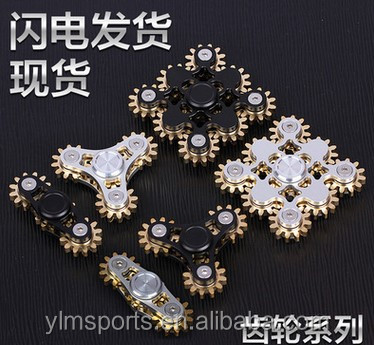 2017 new high quality metal 2 3 4 9 gear linkage hand/fidget/finger spinner factory