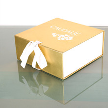 Manufacture Wholesale high-end Kraft Packaging Gift box Luxury with handle