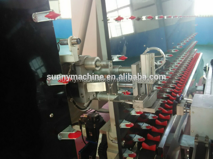 Insulating glass automatic sealing robot machine