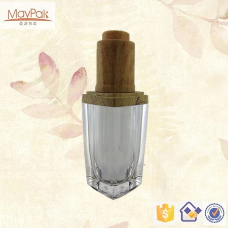 glass essential oil bottle with cabas shape cap